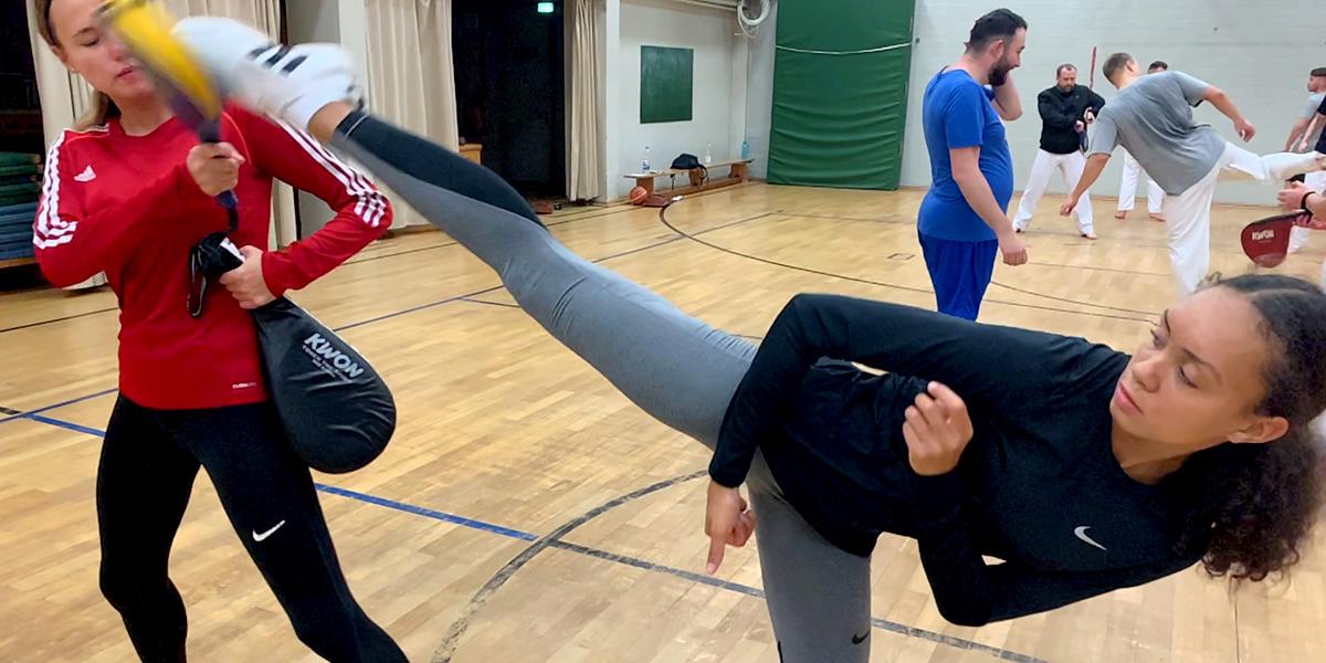 Jacy und Phoebe beim Training